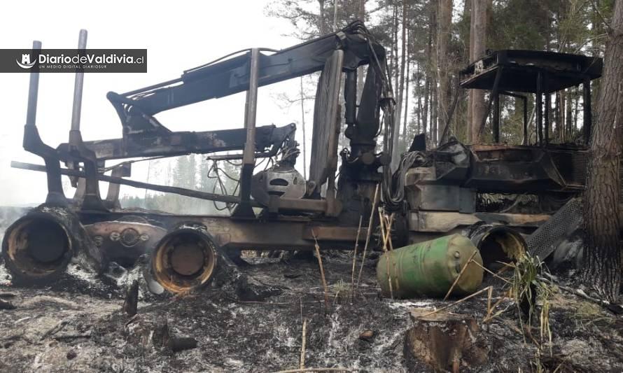 Ataque incendiario deja dos máquinas destruidas en fundo de Valdivia - Diario Futrono