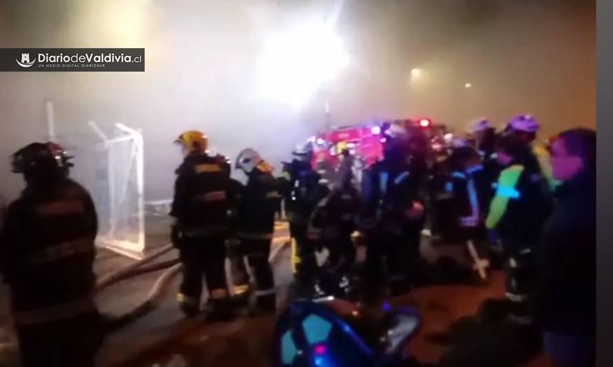 Rápida acción de Bomberos logra controlar incendio en Sodimac Valdivia - Diario Futrono