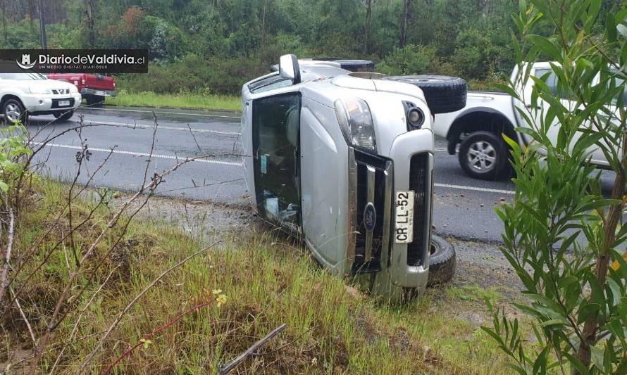 Camioneta volcó en ruta Valdivia-Paillaco y dejó 3 lesionados - Diario Futrono