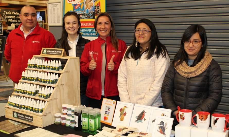 Mujeres emprendedoras exponen sus productos en Unimarc del centro de Valdivia - Diario Futrono